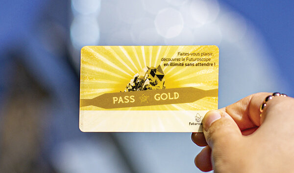 Card Pass primium Gold