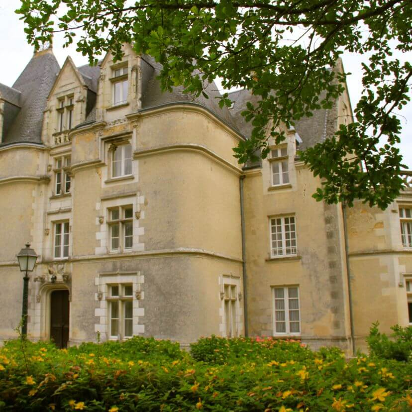header mobile  hotel chateau perigny