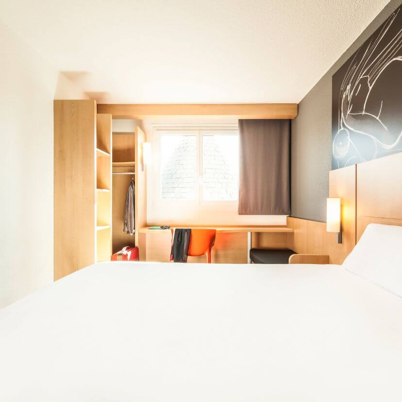 header mobile hotel ibis chatelleraut